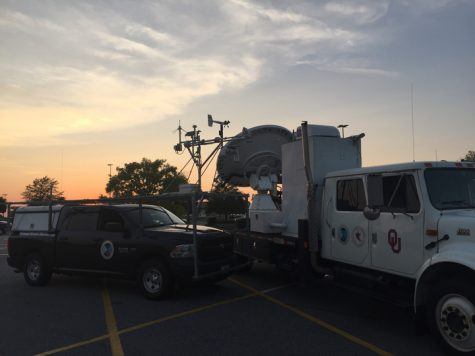 SMART radar and NSSL Mobile Mesonet in Georgia on their way to Fort Lauderdale, Florida.  Photo provided by Addison Alford.