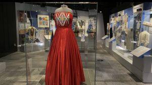 Caption 1 Dress: Isabella Aiukli Cornell's 2018 prom dress on display in Smithsonian Girlhood exhibit. (Gaylord News/Emma Sears)